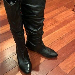 Gianni Bini new leather black slouch boots